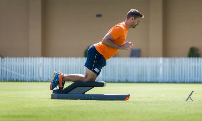 Hamstring injury prevention: before or after training?