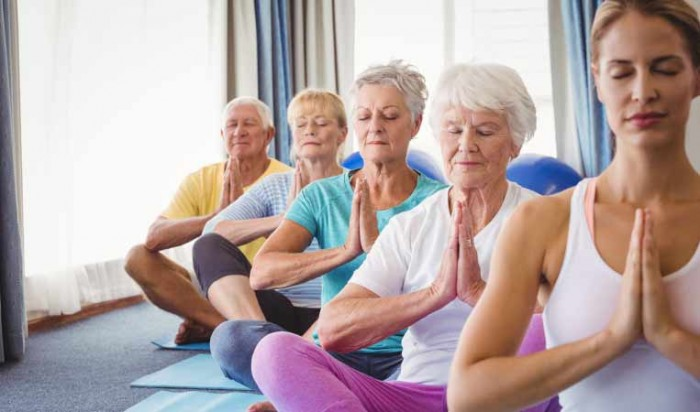 Pilates practice and elderly women