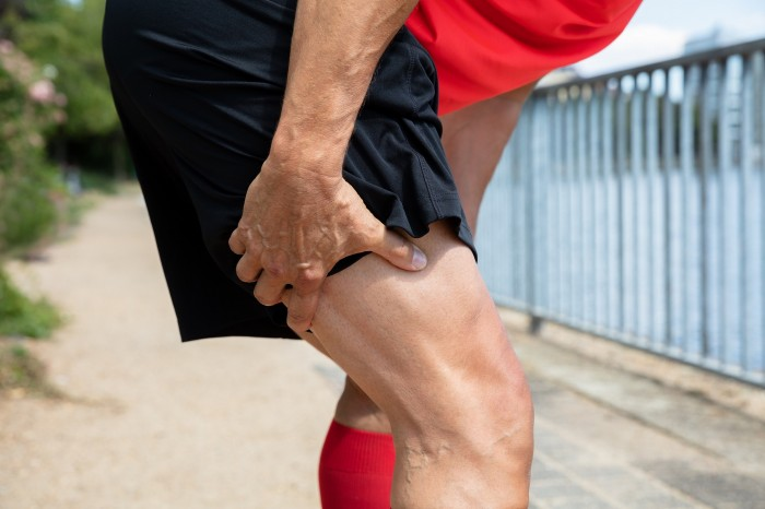 Pain-free vs. threshold rehabilitation in hamstring strains