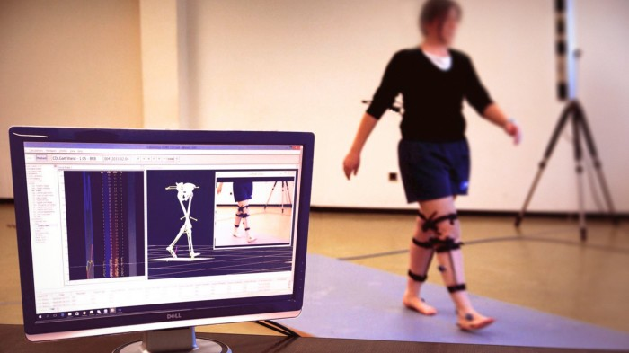 Movement variability in injured and uninjured populations