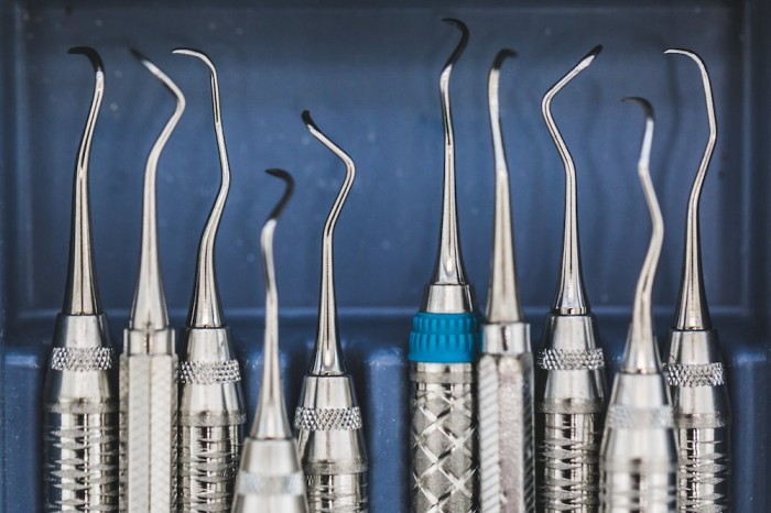 Preventing MSDs in dental care practitioners