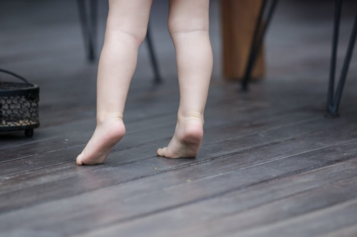 How can we treat idiopathic toe walking?