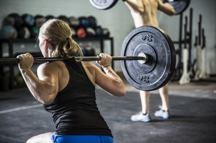 Squat exercise and hip extensor strategy