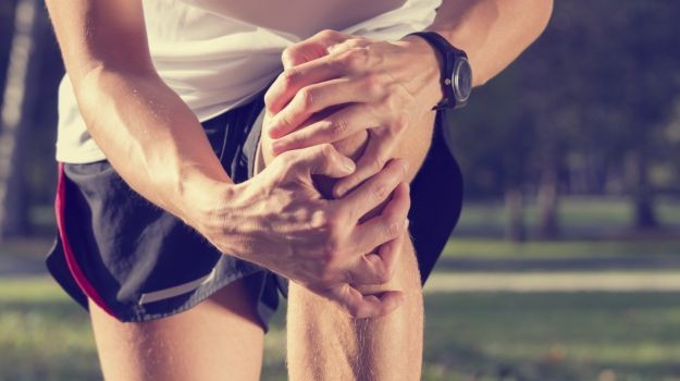 Quadriceps training with blood flow restriction in knee pain