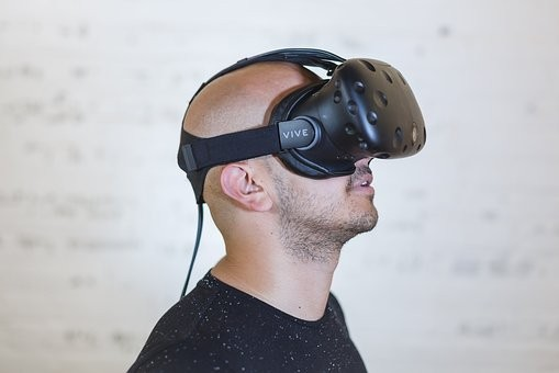 How Virtual Reality (VR) can help in physiotherapy