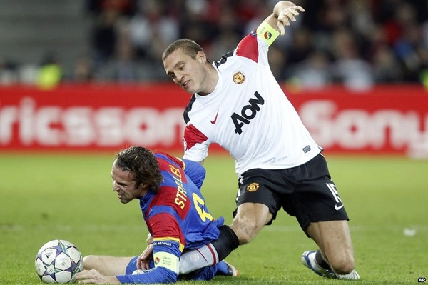 Video analysis of ACL injuries in professional footballers