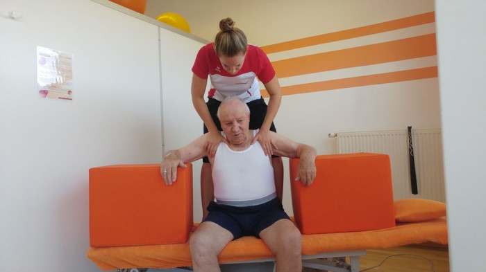 Bobath therapy and lower limb activities after stroke