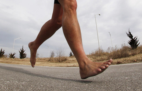 Comparison of running injuries between shod and barefoot