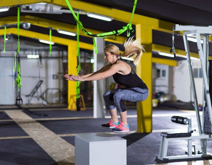 Double-unders, jumping rope and box jumps associated to SUI